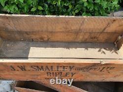 Vintage J. W Smalley Ripley Fyffes Banana Magasin De Rondins En Bois